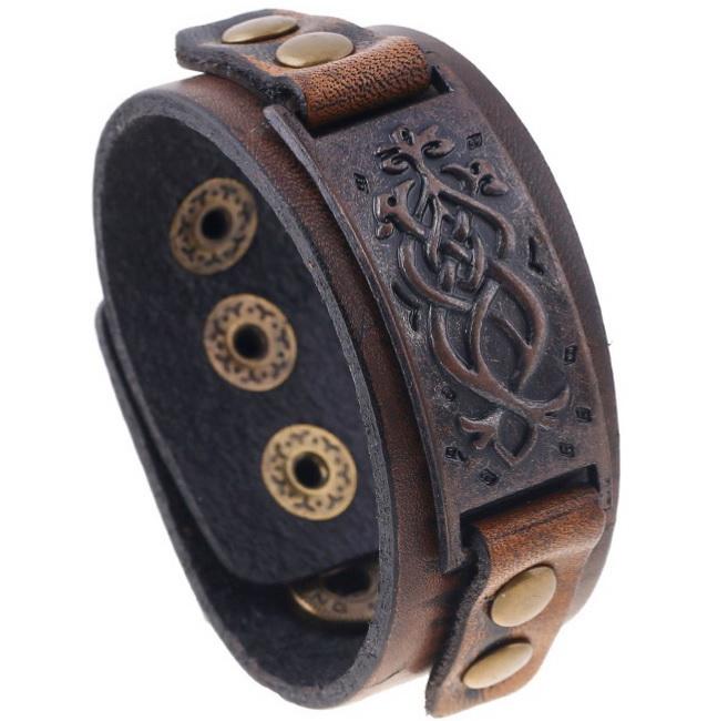 Кожаный браслет с орнаментом